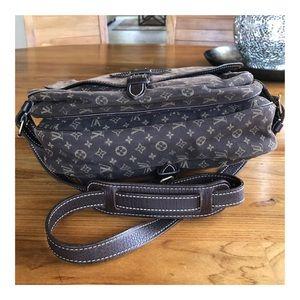 Louis Vuitton Bags - AUTHENTIC LOUIS VUITTON MONOGRAM IDYLLE SAUMUR 30